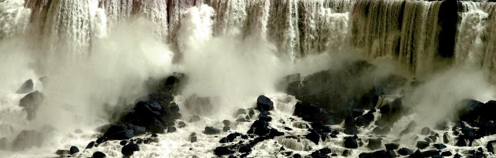Niagara Falls Rocks